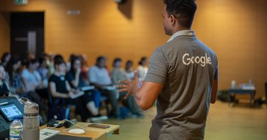Man from Google talking to students